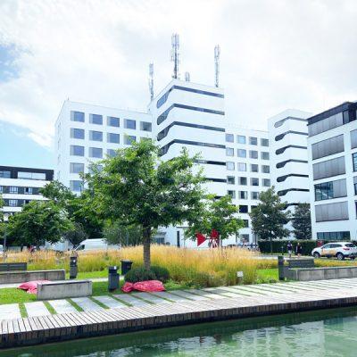büro-münchen-mit-pool